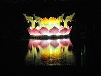 Krathong in Karon lake